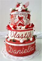 Textilní dort s vyšitými jmény novomanželů (smetanovo/masový)