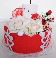 Textilní dort pro Vašeho miláčka svícen 1ks ručník + 1ks dětský ručník