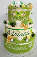 Textilní dort s vyšitými jmény novomanželů (žlutozelený/smetanový)