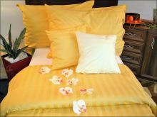 Damaškové povlečení  2x70x90, 220x200 (proužek sytě žlutý)